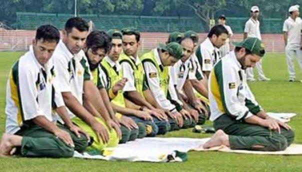 pemain sepak bola islam