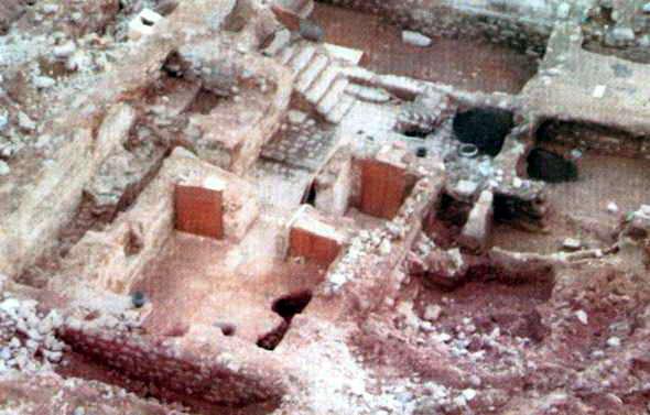 reruntuhan rumah khadijah dilihat lebih dekat
