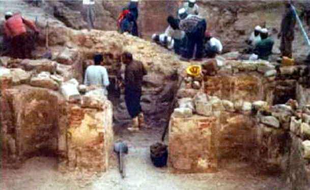 sisa runtuhan kamar rasul dan sayyidah khadijah